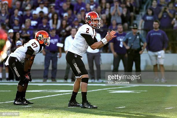 Oklahoma State Cowboys quarterback Mason Rudolph awaits the snap during the Oklahoma State Cowboys game versus the Kansas State Wildcats on November...