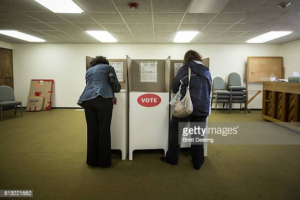 Oklahoma voters line up at Trinity Baptist Church on Super Tuesday March 1 2016 in Oklahoma City Oklahoma voters head to the polls for the 2016...