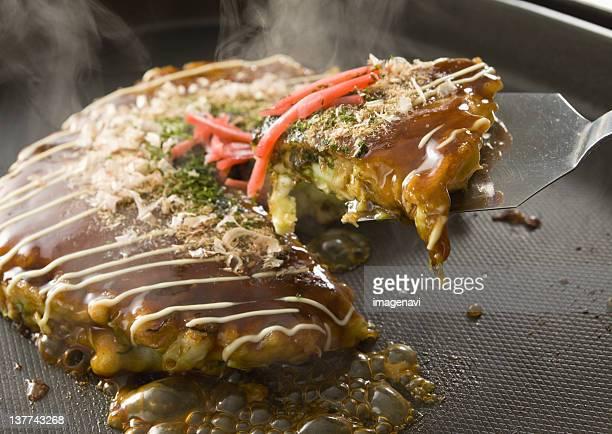 okonomiyaki - okonomiyaki stock pictures, royalty-free photos & images