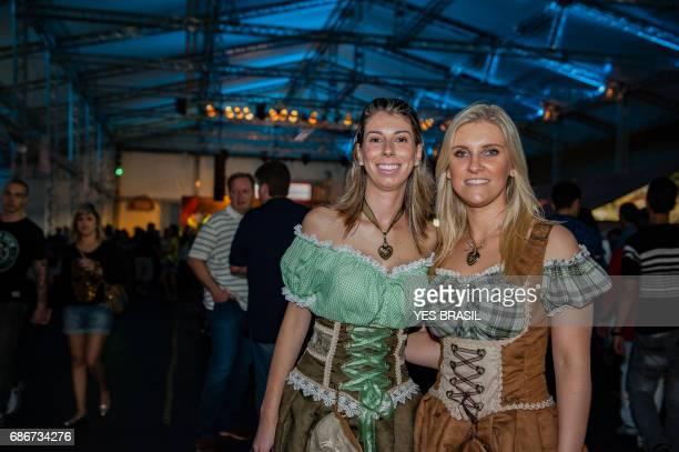 Oktoberfest, Blumenau - Brasilien - officiella paraden
