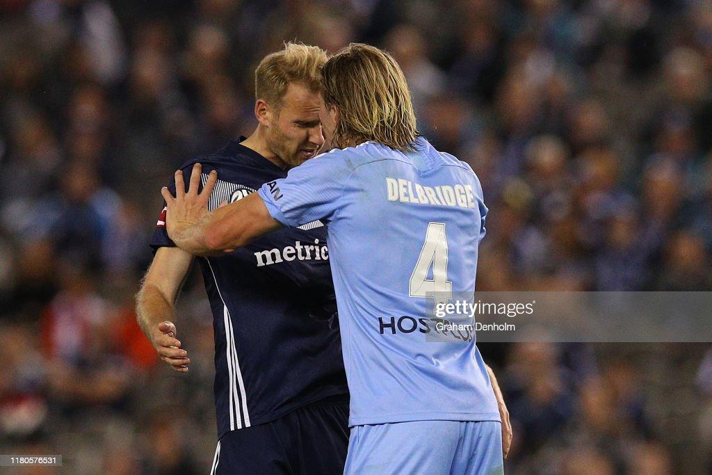A-League Rd 1 - Melbourne Victory v Melbourne City : News Photo