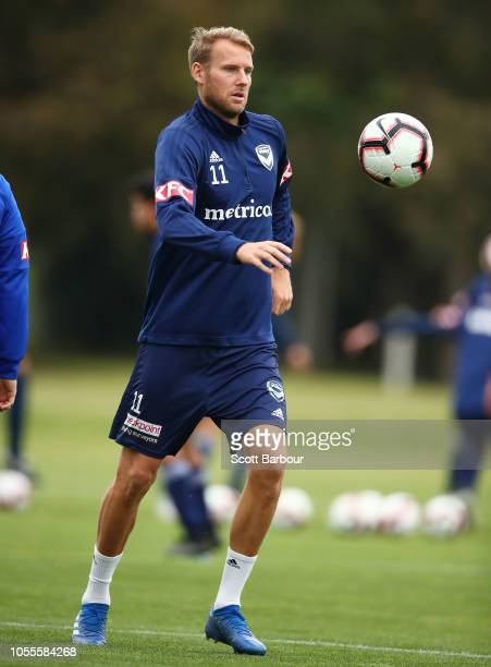 Ola Toivonen of the Victory trains away from the main group of players during a Melbourne Victory ALeague training session at Gosch's Paddock on...