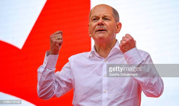 Olaf Scholz, chancellor candidate of the German Social Democrats , speaks at the SPD's closing election campaign rally on September 24, 2021 in...