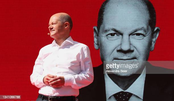Olaf Scholz, chancellor candidate of the German Social Democrats , smiles at an election campaign stop on September 18, 2021 in Munich, Germany. The...