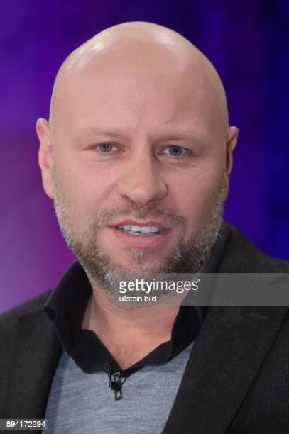 Olaf Sundermeyer in der ZDFTalkshow maybrit illner am in Berlin Hass auf die Politik Gefahr für die Demokratie