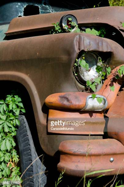 old abandoned van - mississippi - mississippi delta stock photos and pictures