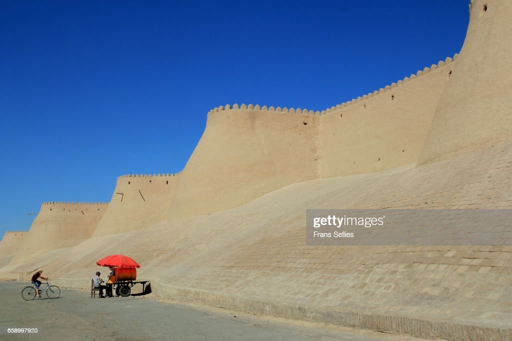 Old adobe walls of Khiva, Uzbekistan : Stockfoto