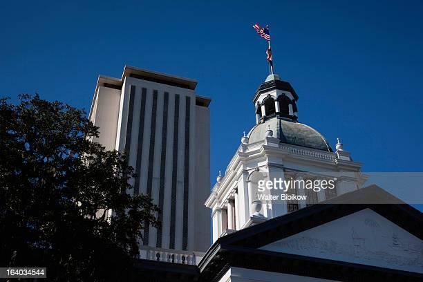 old and new state capitol - 州議会議事堂 ストックフォトと画像