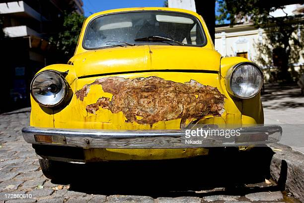 old and rusted car