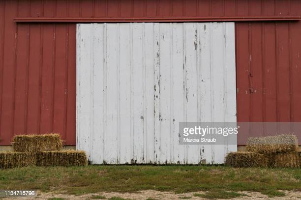 old barn door - barn stock pictures, royalty-free photos & images