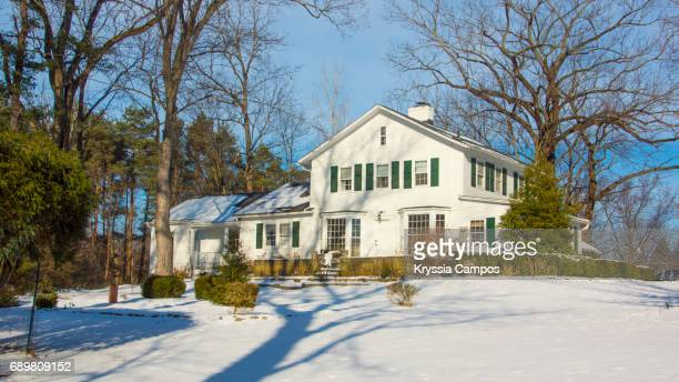 old beautiful house in winter in ohio - country christmas stock pictures, royalty-free photos & images
