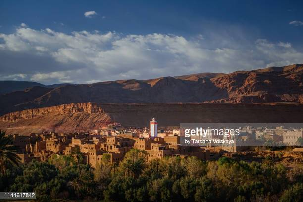old berber city tinghir in high atlas mountains, morocco, africa - north africa stock pictures, royalty-free photos & images