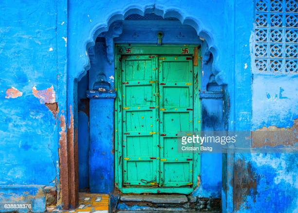 old blue house entrance in jodhpur india - jodhpur stock pictures, royalty-free photos & images