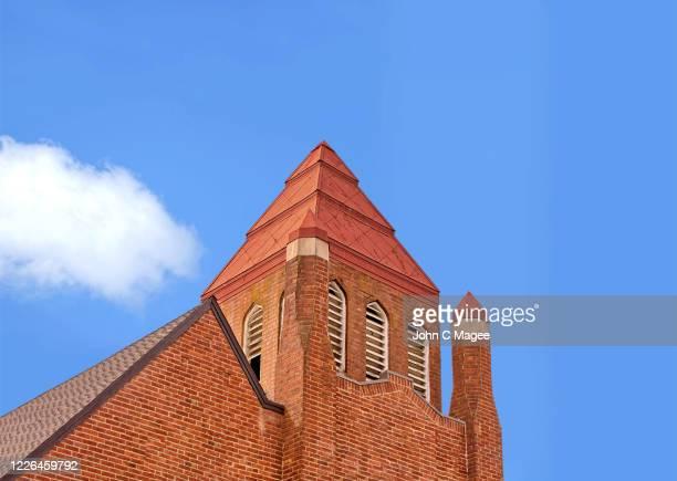 old brick church - 上部分 ストックフォトと画像
