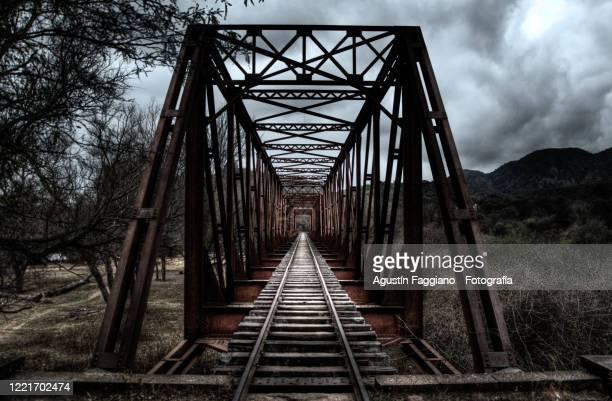 old bridge - サルタ州 ストックフォトと画像