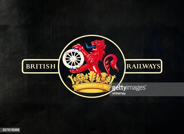 古いブリティッシュ鉄道のロゴ入りの蒸気エンジン - イギリス国鉄 ストックフォトと画像