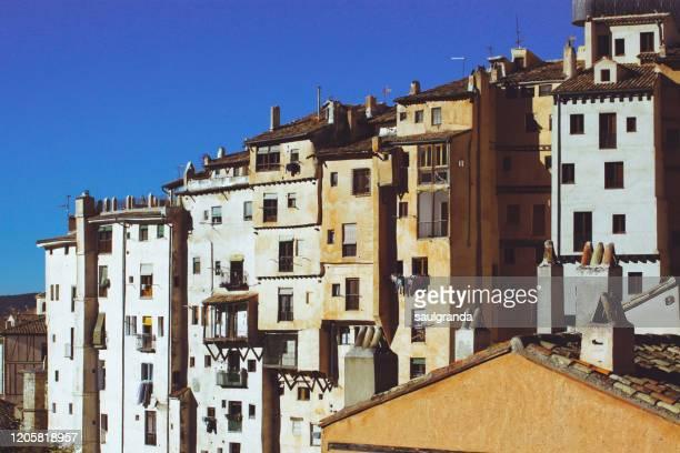 old buildings in cuenca - castilla la mancha fotografías e imágenes de stock