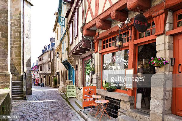 old buildings in vannes, brittany, france - ヴァンヌ ストックフォトと画像