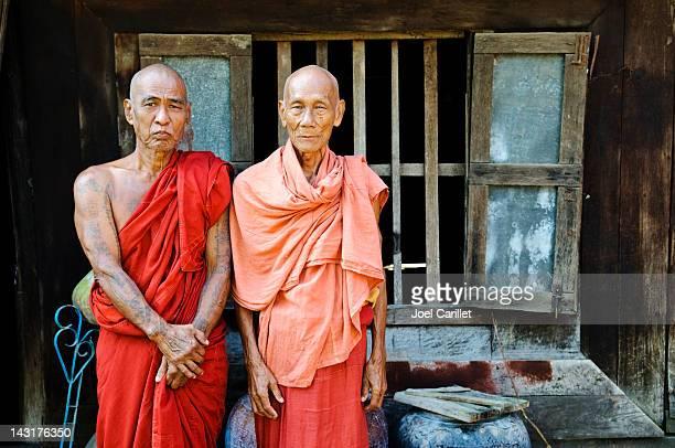 旧修道院で、僧侶は、ビルマ、ミャンマーマンダレー