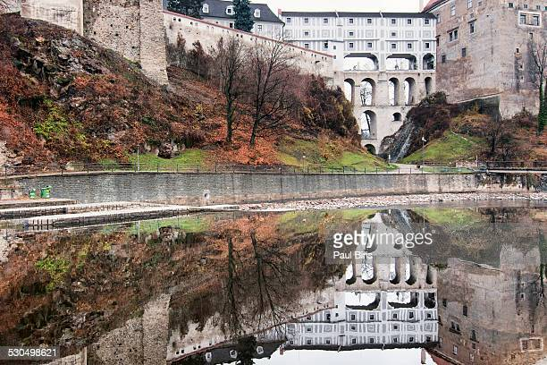 old  cesky krumlov town reflected in vltava river - cesky krumlov castle stock photos and pictures