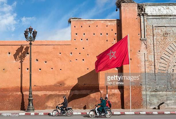 old city wall, marrakesh, morocco - marokko stock-fotos und bilder