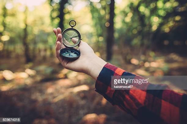Alte Kompass in der hand