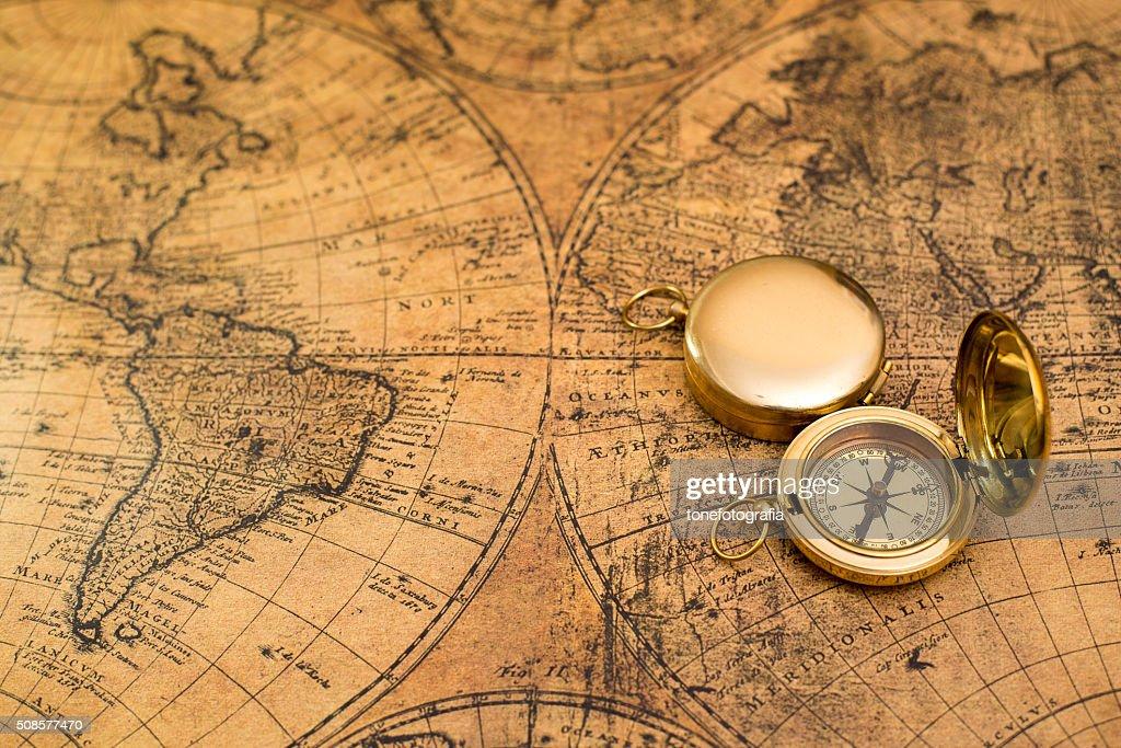 Alte Kompass auf vintage-Karte : Stock-Foto