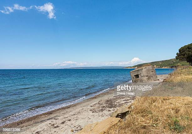 old concrete ww1 bunker or pillbox on the beach at anzac cove in gallipoli, east thrace, turkey - anzac cove stock pictures, royalty-free photos & images