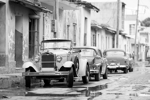 Old convertible car on street of Trinidad, Cuba - gettyimageskorea