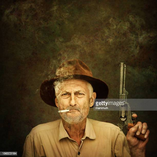 Vaquero mayor con colt