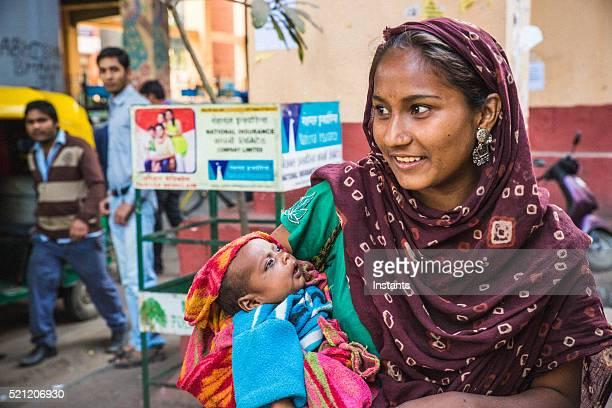 Old Delhi beggar girl