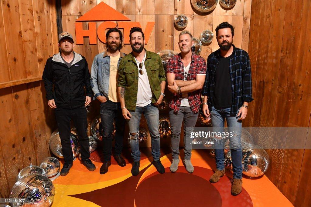 A Very Brady HGTV Lodge – Day 2 : News Photo