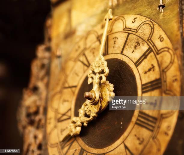 Ancienne horloge visage en gros plan