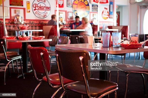 old fashioned diner - terryfic3d stockfoto's en -beelden