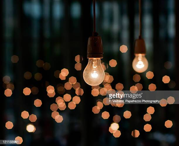 old fashioned light bulbs - light bulb stock pictures, royalty-free photos & images