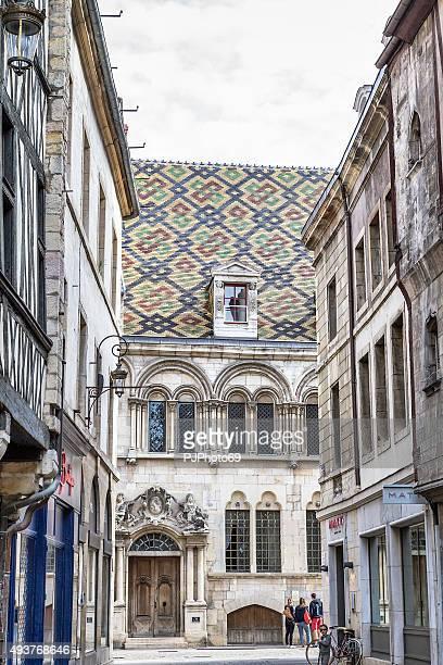 antiga rua francesa de dijon-frança - pjphoto69 imagens e fotografias de stock