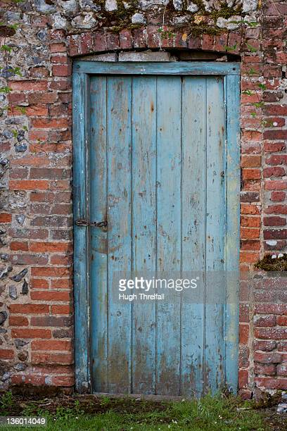 old garden doorway - hugh threlfall stock pictures, royalty-free photos & images