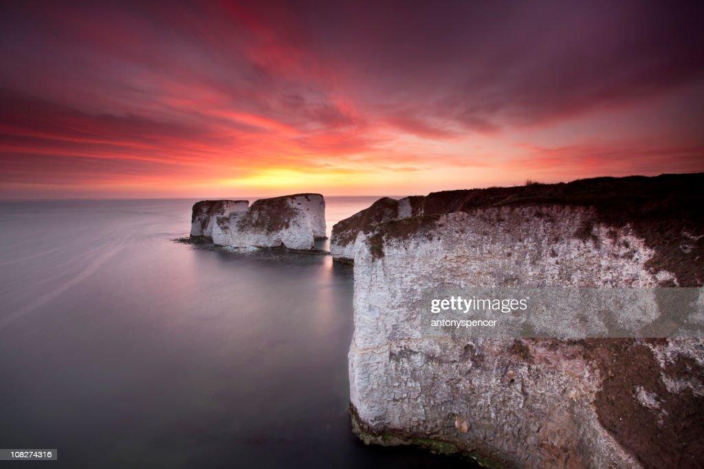 Old Harry Rocks sunrise : Stock Photo