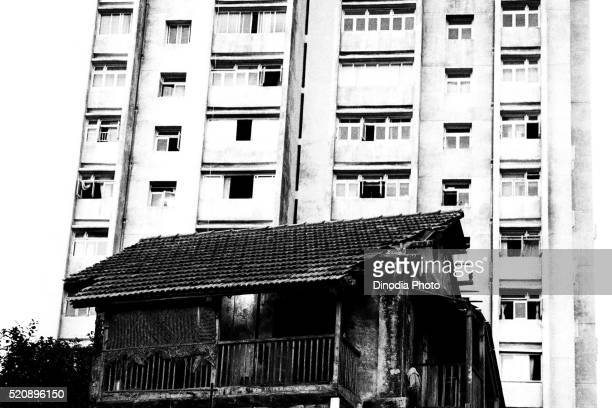 old house and new building banganga, mumbai, maharashtra, india, asia 1985 - 1985 stock pictures, royalty-free photos & images
