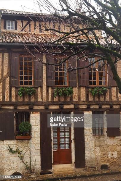 old house, bergerac, dogdone, aquitaine, france - ベルジュラック ストックフォトと画像