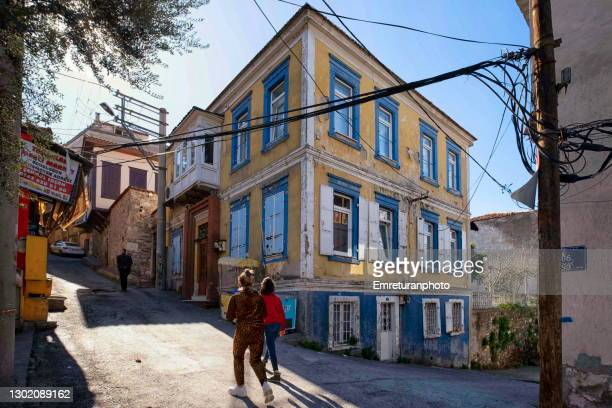 old house on a ramp in izmir old town. - emreturanphoto stock pictures, royalty-free photos & images