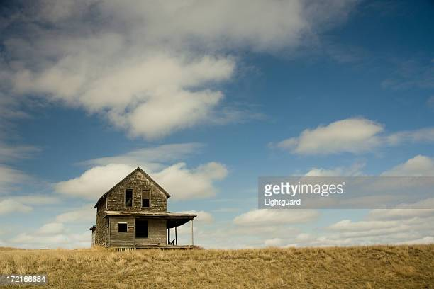 old house with space - farmhouse stock pictures, royalty-free photos & images