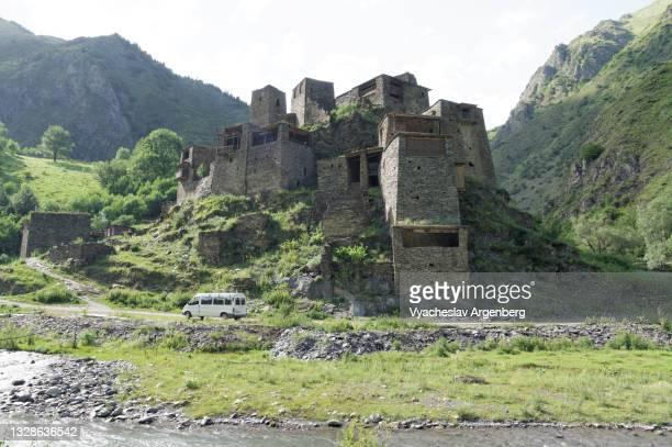 old houses of shatili, khevsureti, georgia - argenberg stock pictures, royalty-free photos & images