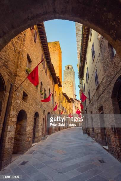 old italian town - san gimignano, tuscany, italy - サンジミニャーノ ストックフォトと画像