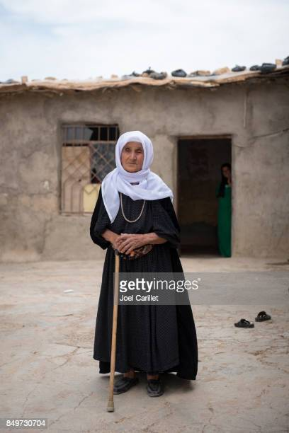 old kurdish woman in northern iraq - iraqi woman stock photos and pictures