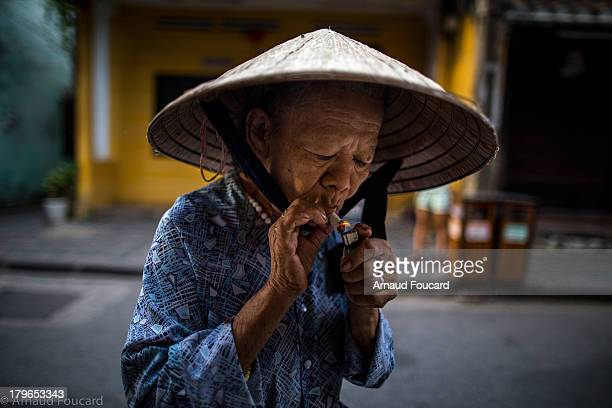 CONTENT] Old lady heading to the Hoi An market
