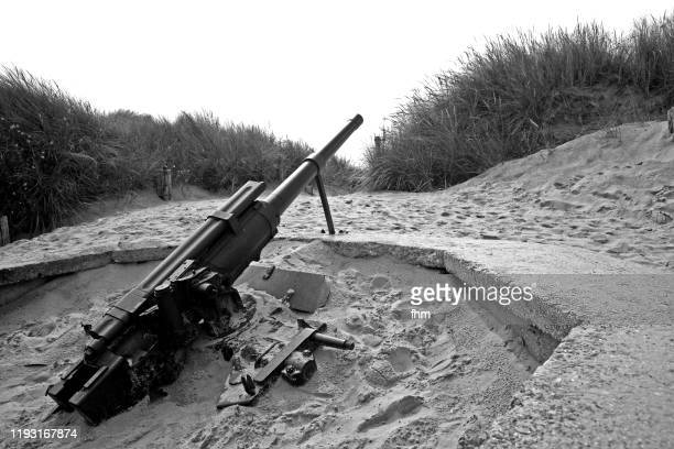 old machine gun in the normandy (france) - machine gun stock pictures, royalty-free photos & images