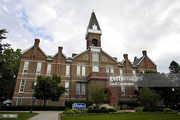 Old Main on the Drake University Campus which houses Sheslow Auditorium hosted the ABC News Democratic candidates' debate August 19 2007 in Des...