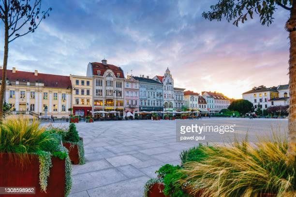 old market square, bydgoszcz poland - bydgoszcz stock pictures, royalty-free photos & images
