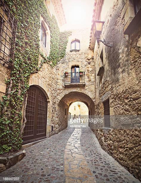 Old medieval strrets en Costa Brava